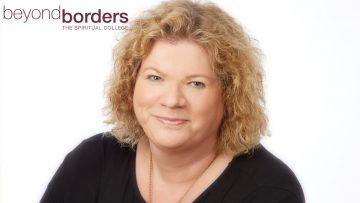 Interview und Vorstellung Beyond Borders – mediales College mit Lehrerin Amara Yachour.
